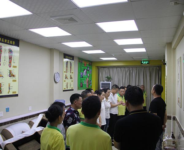 足疗店加盟排行榜_贵州足浴加盟排行榜_渝铠加盟