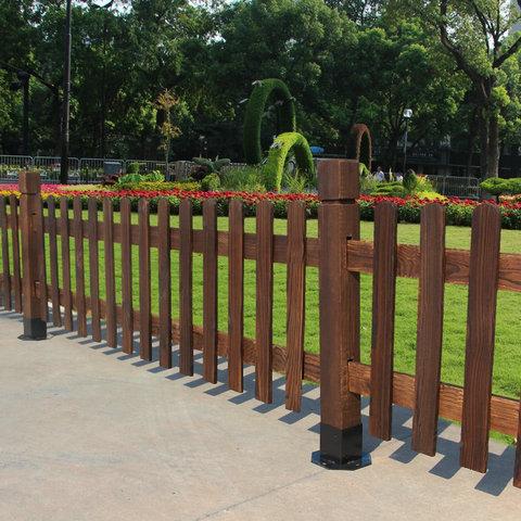 防腐木护栏厂家直销 专业护栏生产厂家 质量保障